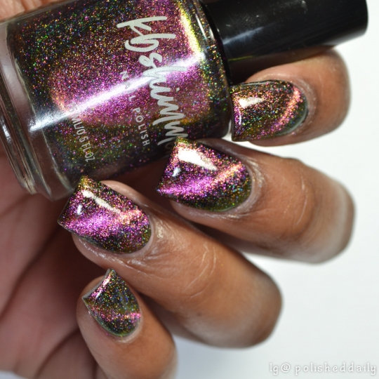 Sol Mate Multichrome Magnetic Flakie Nail Polish